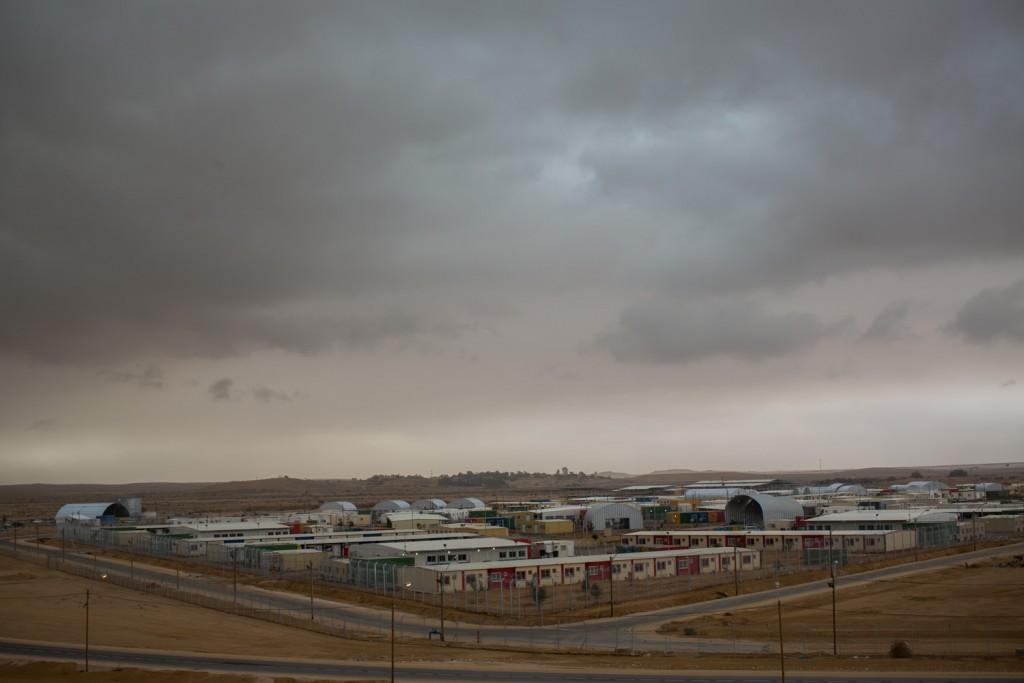 מתקן הכליאה חולות סמוך לגבול עם מצרים. צילום באדיבות ActiveStills
